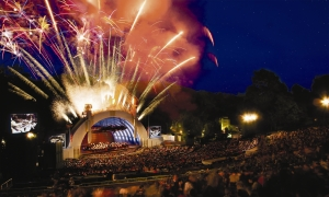 fireworks_in_hollywood_bowl